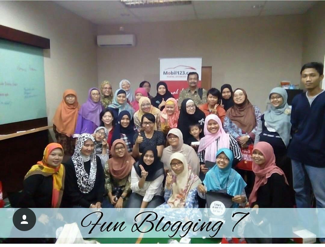 Foto Bersama Peserta Fun Blogging 7 (nyomot dari IG @ria_rochma)